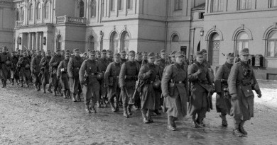 Tyske soldater foran jernbanestasjonen i Trondheim1