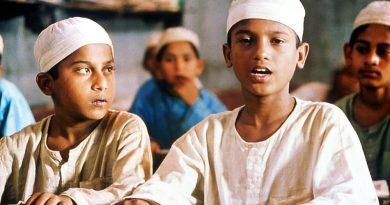 THE CLAY BIRD, (aka MATIR MOINA), Nurul Islam Bablu, Russell Farazi, 2002, (c) Milestone